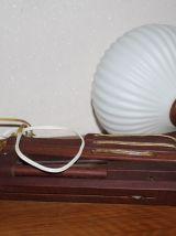 Applique accordéon en teck abat jour opaline 1960
