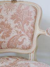 Paire de fauteuils cabriolets rose