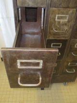 meuble de rangement métallique industriel