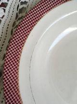 Six assiettes creuses anciennes en rouge et bleu !