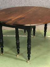 Table Louis Philippe XIXème en noyer avec 4 allonges
