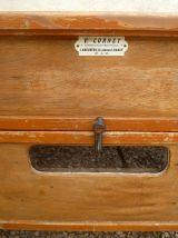 couveuse en bois ,ancienne , vintage