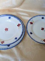 Lot de 4 assiettes plates et plat rond peint mains.