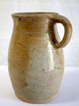 Vase / pot à lait en terre cuite émaillé – très ancien