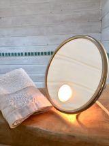 Miroir grossissant vintage avec éclairage