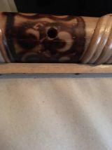 Miroir en bambou décoré à six cotés .