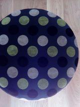 Tabouret rond, ottoman à pieds compas en métal doré