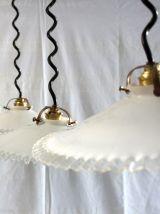 Suspensions opaline bord plissé années 30