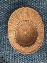 Chapeau casque colonial en rotin tressé