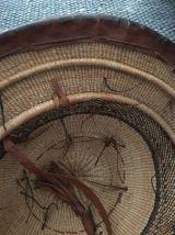 Grand chapeau de planteur africain