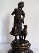 """Statue """"l'enfant ,faune et la brebis"""" sur socle"""