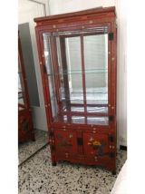 vitrine rouge laquée de Chine