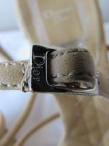 Jolie paire d'escarpins en cuir camel DIOR;