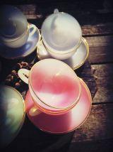 Service à café en opaline Arcopal - collection Arlequin