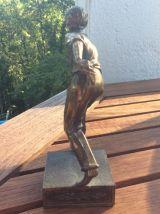 Jolie statuette d'un joueur de pétanque en laiton  made in F