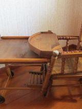 Chaise haute bébé , debut 20ème siècle en bois naturel