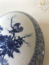 Boite ancienne en porcelaine