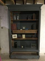Bibliothèque ou cabinet de curiosités ancienne