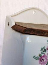 Ancienne boîte à sel / Pot à sel en céramque.