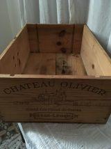 Caisse à vin Chateau Olivier de 1995.