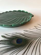 Plat Vallauris en céramique forme feuille verte