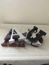 Lot six lettres en bois pour décoration.