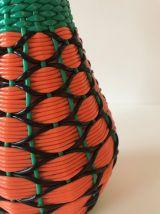 Bouteille décorative scoubidou orange et verte