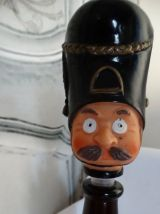 Vintage personnage  bouteille whisky   Royal British