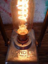 "LAMPE VINTAGE  - LAMPE INDUSTRIELLE "" WONDER TIFON """