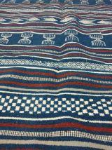 Kilim bleu fait à la main en pure laine