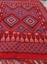 tapis rouge fait à la main