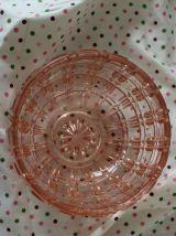 Sucrier Art Déco, en verre moulé rose, bonbonnière