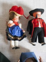 poupées miniatures costumes traditionnels