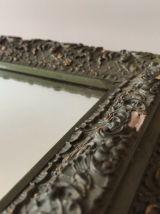 Très ancien miroir rectangulaire en bois et moulures