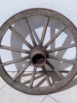 Ancienne roue de charrette