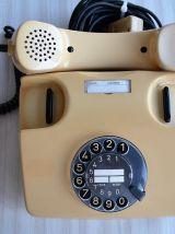 Téléphone à cadran vintage allemand des années 80