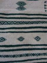 Tapis kilim blanc et vert fait main en pure laine