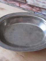 Petit plat  creux  en étain ancien