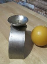 3 Bougeoirs  en metal ancien avec sa bougie ronde