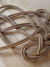 Ancienne tapette battoir tapis édredon linge osier , vintage