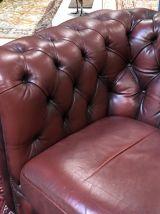 Fauteuil Chesterfield des années 70 en cuir rouge