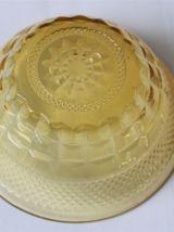 2 coupelles à dessert verre jaune ambré
