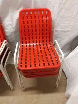 10 chaises de terrasse de bistrot rouge vintage