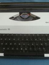 Machine à Ecrire Portable Vintage Olympia Alphamatic 33