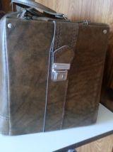 sac de voyage en cuir vintage années 60