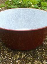 bassine en  acier  émaillé , vintage