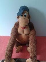 Grand singe avec trapèze