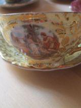 6 petites tasses a cafés en porcelaine