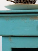 Chevet bleu patiné