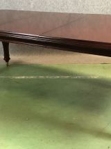 Table Victorienne fabrication moderne en acajou massif